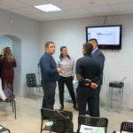 В перерыве Татьяна Саблина отвечает на вопросы учредителей салонов. PINK, Селфи